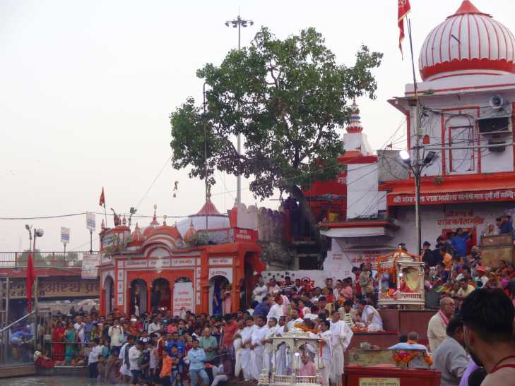 Travelogue India - Haridwar Ghat Saints and People